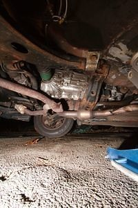 Undercarriage, From Driver's Side, Transmission, Front Exhaust